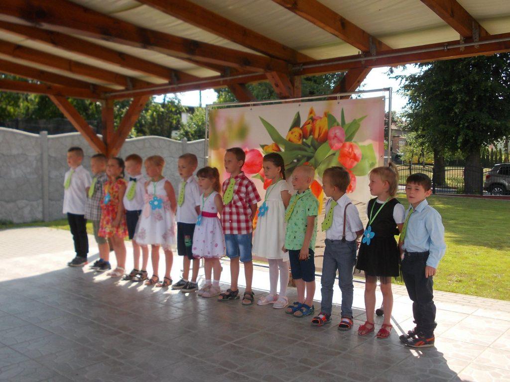 dzieci śpiewają